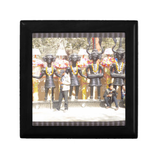 India cultural show statue of musicians artists gift box