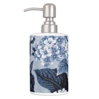 Indigo Blue Floral Toile No.1 Bath Accessory Sets
