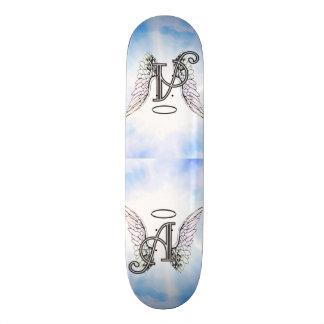 Initiale A de monogramme, ailes d'ange et halo Skateboard 20,6 Cm