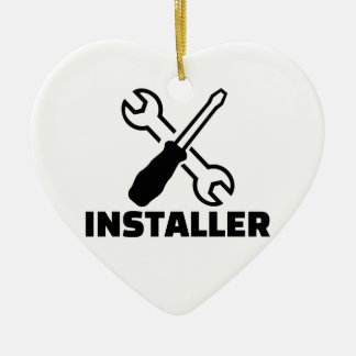 Installer Ceramic Ornament
