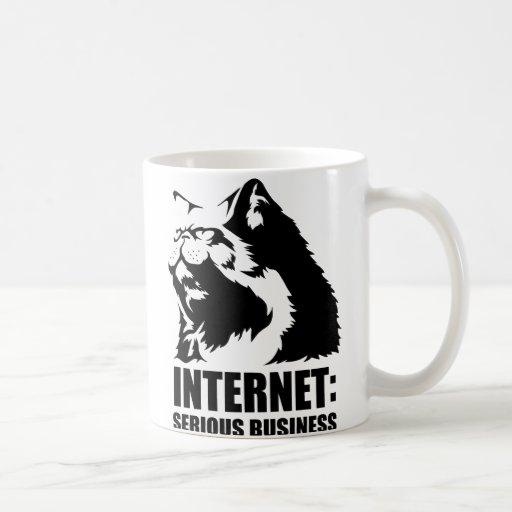 Internet : Affaires sérieuses (T-shirt drôle de lo Mugs