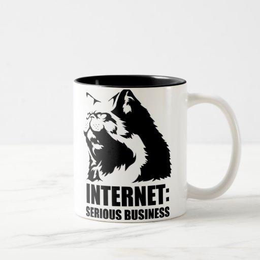 Internet : Affaires sérieuses (T-shirt drôle de lo Tasse