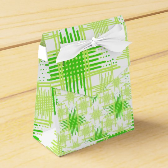 Intersecting Lines Pattern Favor Box