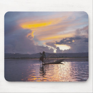 Intha fisherman leg rowing boat fishing with net mouse pad