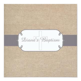 Invitation grise et beige rustique de baptême de