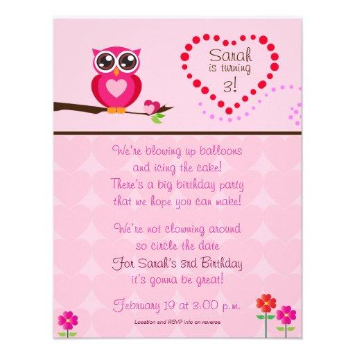 Invitation mignonne d'anniversaire de hibou