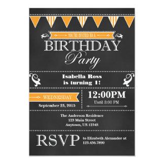 Invitation noire orange d'anniversaire de tableau