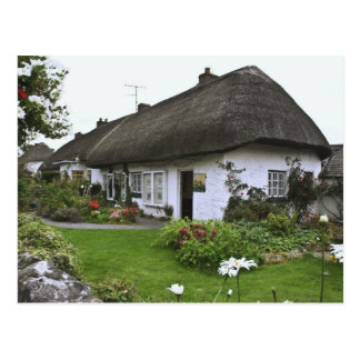 Ireland, Adare. Thatched-roof cottage Postcard