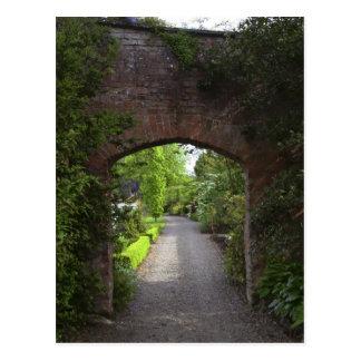 Ireland, the Dromoland Castle very green Postcard