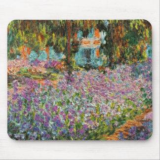 Iris dans le jardin de Monet Tapis De Souris