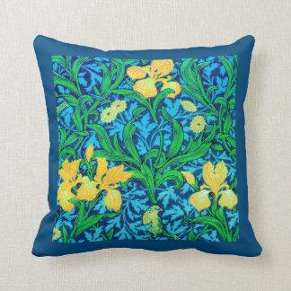 Iris de William Morris, jaune et bleu de cobalt Oreiller