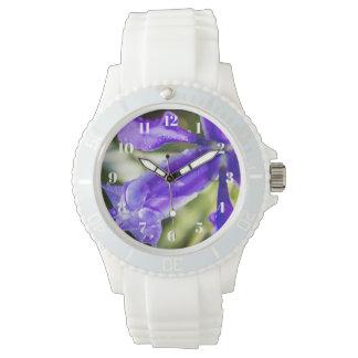 Iris pourpre avec la montre des femmes de gouttes montres bracelet