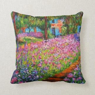 Iris vintages dans le carreau du jardin de Monet Oreiller