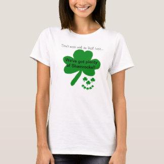 Irish Lass Smiley Shamrocks Humour T-Shirt