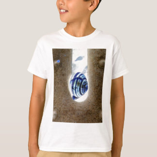 iSchnecken at the edge of way T-Shirt