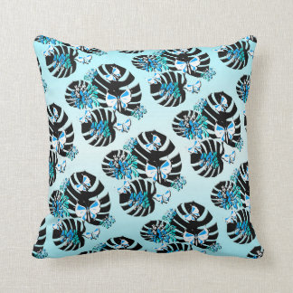 Isla Tropicana (island paradise blue) Throw Pillow