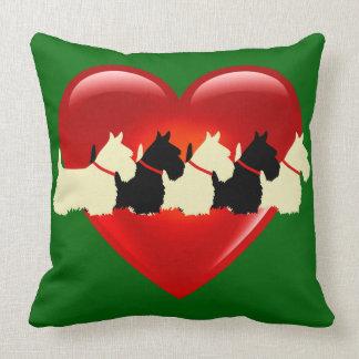 Island green, 6 Scottish Terrier /red heart/blank Throw Pillow
