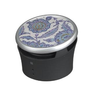 Isnik earthenware tile, c.1520-50 speaker