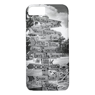 It doesn't seem to matter where the war_War Image iPhone 7 Case