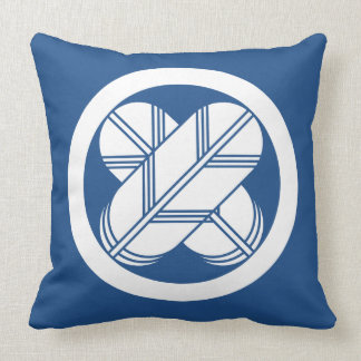 It is different to the circle, the feather (eight throw pillow