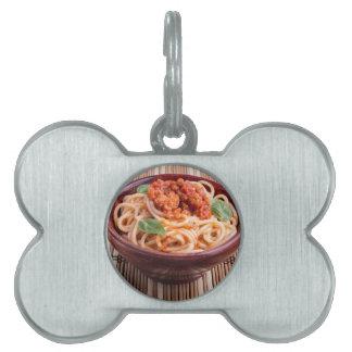 Italian spaghetti with tomato relish and basil pet tag