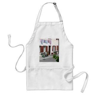 italy back street by shanta standard apron
