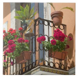 ITALY, Sicily, TAORMINA: Corso Umberto 1, Tile