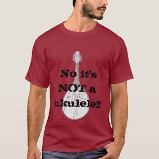 It's a mandolin, not a ukulele tshirt
