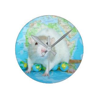 It's a Rat's World Clock