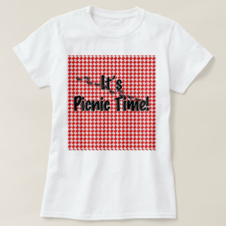 It's Picnic Time! Red Chequered Table Cloth w/Ants T-Shirt