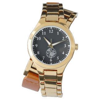Ivy branch circle wristwatch