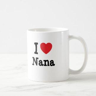 J aime le T-shirt de coeur de Nana Tasses