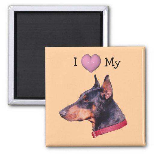 J'aime le coeur mon aimant de chien de dobermann