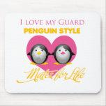 J'aime mon style de pingouin de garde tapis de souris