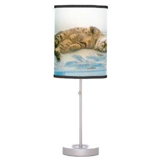 japanese bobtail brown tabby table lamp