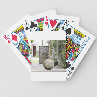 Jardin anglais - boule en pierre jeu de cartes poker