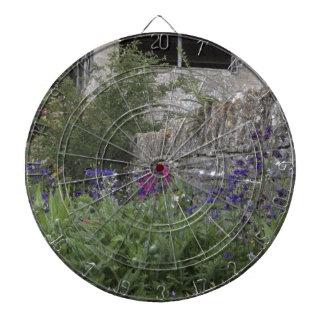Jardin anglais - église jeux de fléchettes