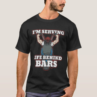 Je sers la vie derrière des cyclistes de barres t-shirt