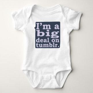 Je suis une affaire sur des chemises de Tumblr Tee-shirt