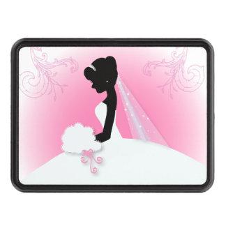 jeune mariée élégante rose moderne de silhouette couvertures remorque d'attelage