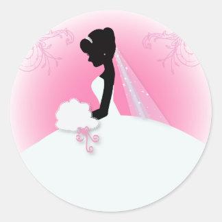 jeune mariée élégante rose moderne de silhouette sticker rond