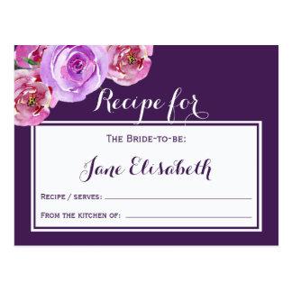 Jeune mariée florale violette de prune pourpre à carte postale