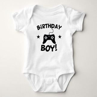 Jeux vidéo de garçon d'anniversaire body