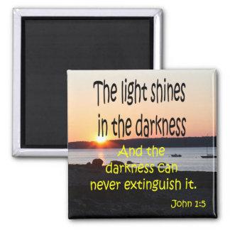John 1:5 square magnet