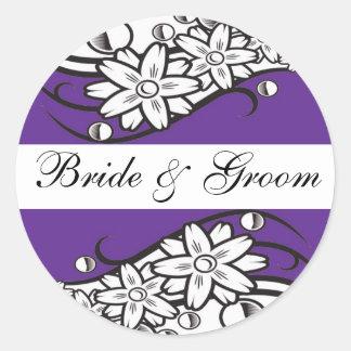 Joints floraux violets d'enveloppe de mariage de sticker rond