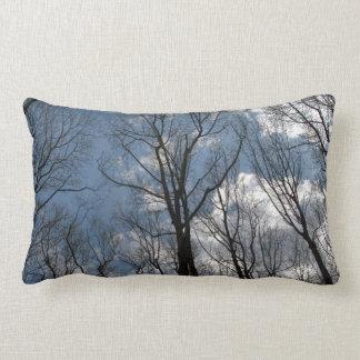 Joli Lumbar de ciel nuageux d'arbres de peuplier Oreillers