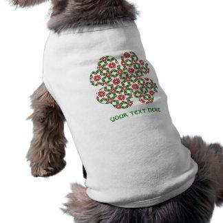 Jolie conception de shamrock et de coeurs pour des t-shirt pour chien