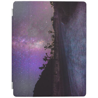 Joshua tree National Park milky way iPad Cover