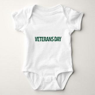 jour des anciens combattants vert-foncé t shirts
