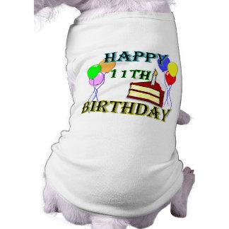 Joyeux 11ème anniversaire avec le gâteau, les ball tee-shirt pour toutou
